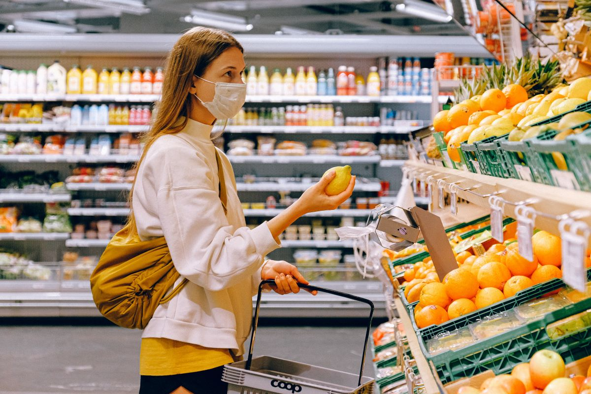 Volunteers Grocery Shop for Homebound Seniors